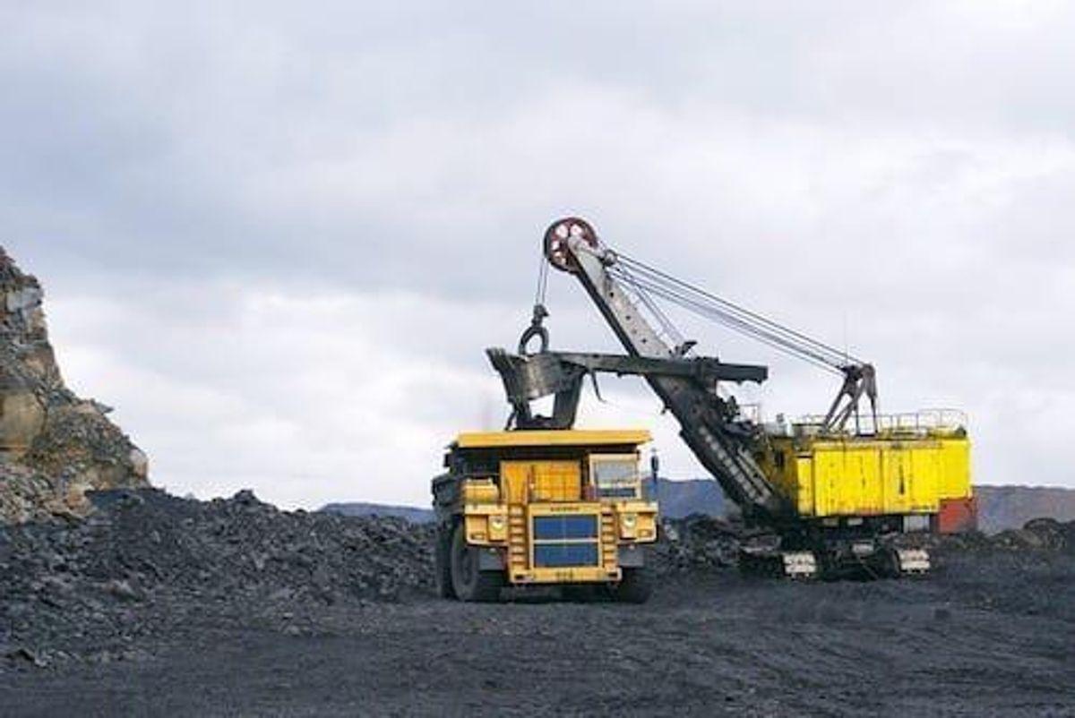 Clive Palmer Planning AU$1.5-billion Coal-fired Power Station