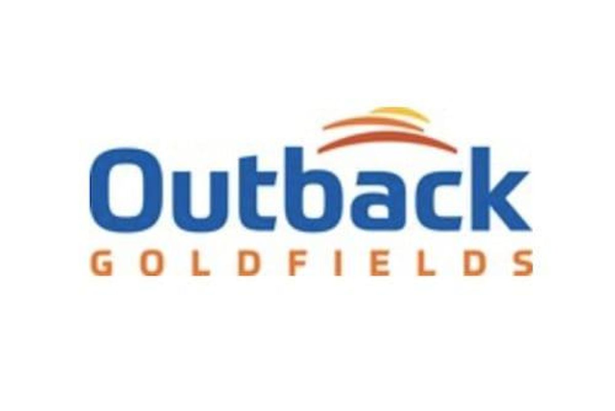 Outback Reports Results from Initial Drill Holes at Glenfine and Observes Visible Gold